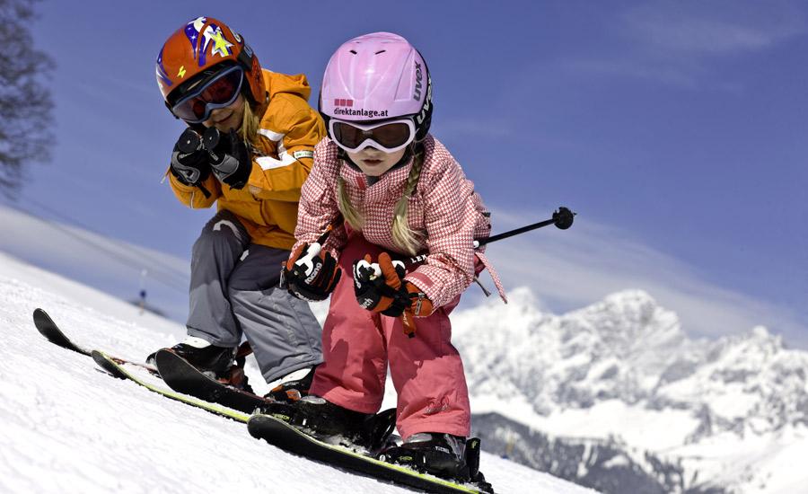 Kinder lernen skifahren for Designhotel skifahren