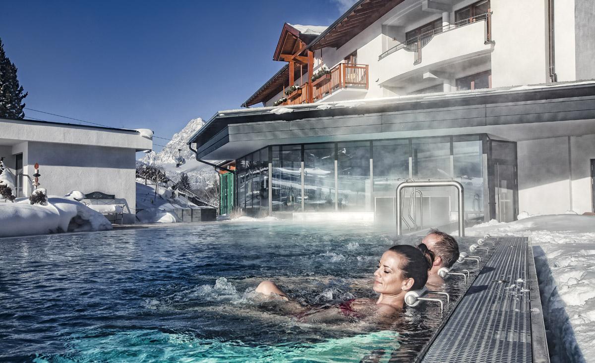 hotels an der piste f r ihren skiurlaub in sterreich. Black Bedroom Furniture Sets. Home Design Ideas